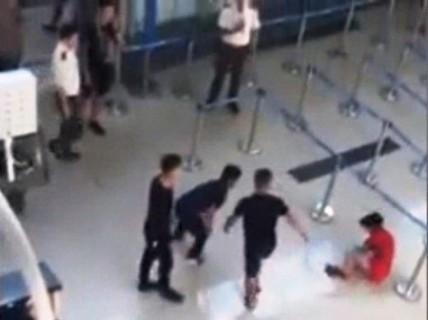 Xử phạt nhân viên an ninh trong vụ hành hung nữ nhân viên hàng không