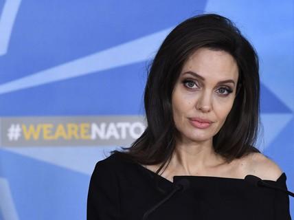 Angelina Jolie kêu gọi ngừng bạo lực tình dục vùng chiến