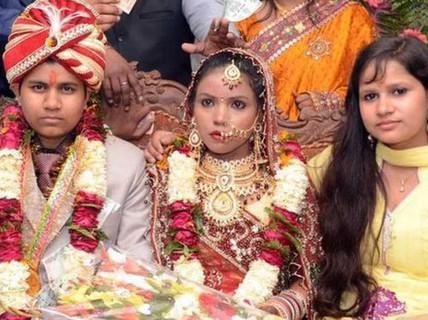 Giả làm đàn ông cưới liền 2 bà vợ