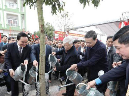 Tổng Bí thư Nguyễn Phú Trọng chúc Tết, trồng cây tại Hưng Yên 