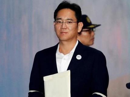 """""""Thái tử"""" Samsung bất ngờ được trả tự do"""