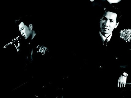 Hai chàng Dũng hát