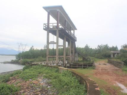 Quảng Bình: Lo vỡ hồ, đập
