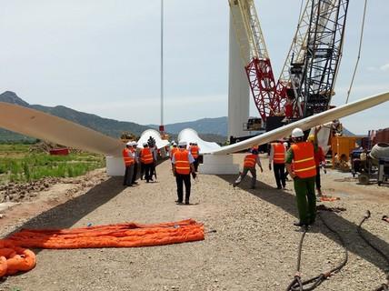 Ninh Thuận bỏ titan, chuyển sang năng lượng sạch