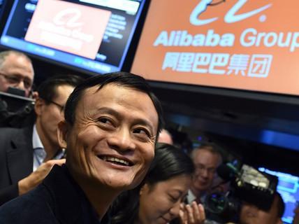 Ngoài Mercedes, các tỷ phú Trung Quốc đã đổ tiền vào đâu?