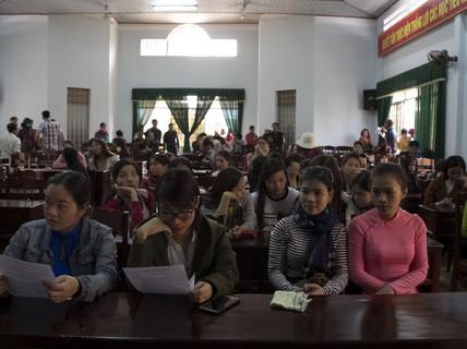 Gần 600 giáo viên có nguy cơ mất việc: Không có nhu cầu nhưng tuyển ồ ạt