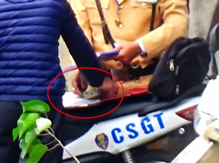 Chủ tịch Hà Nội Nguyễn Đức Chung yêu cầu làm rõ vụ CSGT nghi mãi lộ