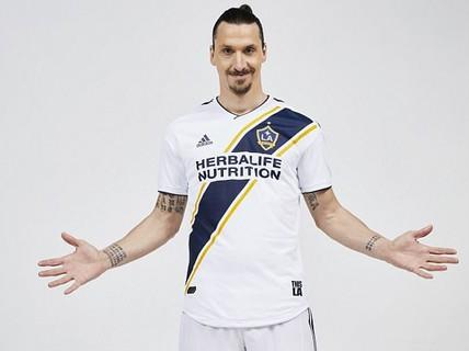 """""""Ibrahimovic đến LA Galaxy vì M.U bị loại ở Champions League"""""""