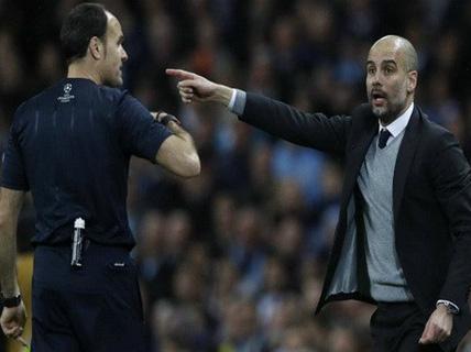 """Guardiola """"dính đòn thù"""" trọng tài, Man City bị loại Champions League"""