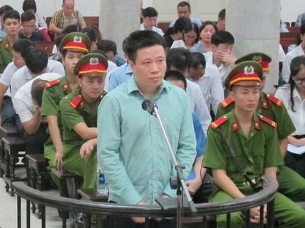 Sáng nay 18-4, Hà Văn Thắm và Nguyễn Xuân Sơn lại hầu tòa