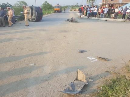 Nghệ An: Xe ô tô tông vào nhóm học sinh, 4 em thương vong