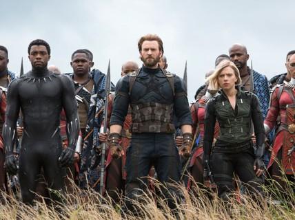 """Phim Việt bị """"Avengers: Infinity War"""" áp đảo trong dịp lễ"""