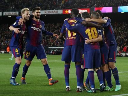 Hat-trick Messi giúp Barcelona bắt kịp kỷ lục 38 năm La Liga