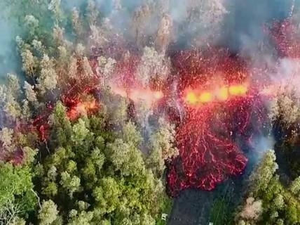 """""""Tuyến lửa"""" rợn người trên đảo Hawaii"""