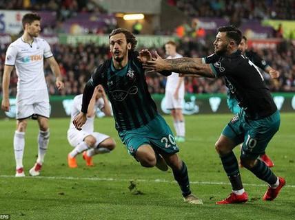 Swansea trắng tay trước Southampton, West Brom rớt hạng