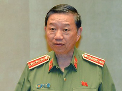 Bộ trưởng Tô Lâm chỉ đạo khẩn trước giờ trái bóng World Cup 2018 lăn