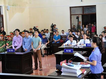 Thẩm phán sai sót khi tuyên Nguyễn Khắc Thủy án treo