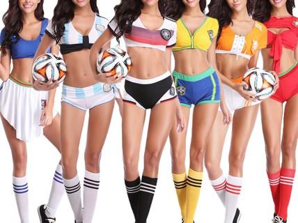 Nóng hơn khi mua trang phục sexy mùa World Cup