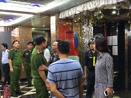TP HCM: Căn phòng bí mật của karaoke che mắt lực lượng kiểm tra