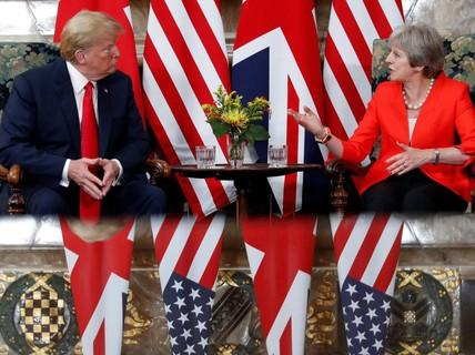 Ông Trump quay ngoắt 180 độ sang ca ngợi bà May
