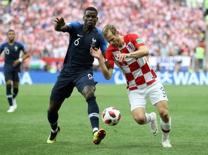 Mourinho khích Paul Pogba