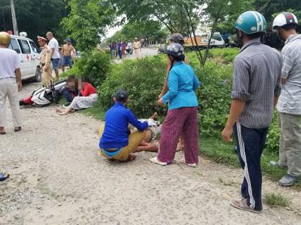 Trốn CSGT, 2 cô gái tông người đi đường nhập viện