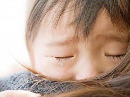 Thư con gái gửi cha mẹ sắp ly hôn: Ngày mai, con sẽ mồ côi