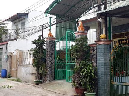 Hàng xóm nói gì về 2 cha con chủ mưu đánh bom khủng bố ở TP HCM?