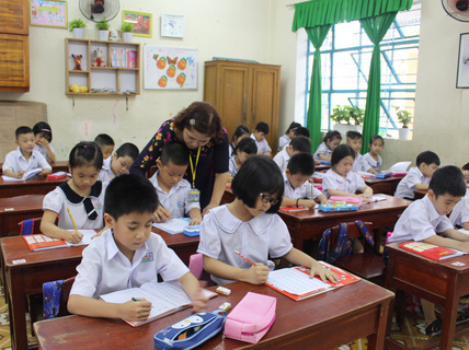 Chật vật lấp chỗ trống giáo viên