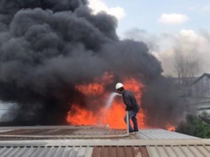 Cơ sở sản xuất, kinh doanh gỗ xem nhẹ phòng cháy