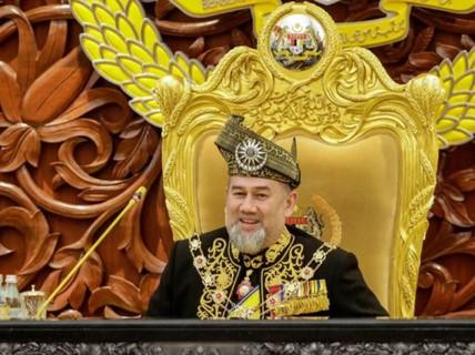 Vua Malaysia hủy lễ kỷ niệm sinh nhật, trả lại tiền cho chính phủ