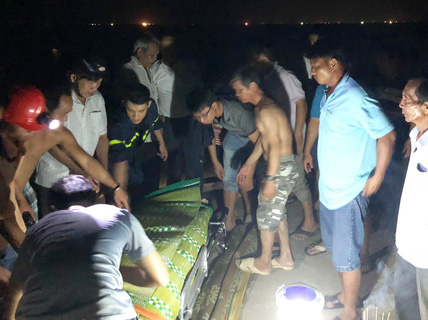 Tắm biển, 3 thí sinh vừa đỗ đại học bị đuối nước thương tâm