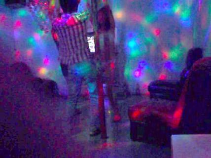 """Đến quán karaoke hỏi """"gái dịch vụ"""", người đàn ông bị đánh tử vong"""