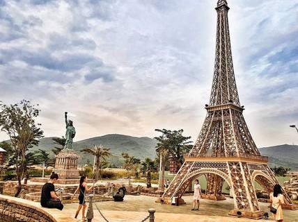 Công viên Kỳ quan thế giới ở Đà Nẵng có gì khiến giới trẻ sốt rần rần?
