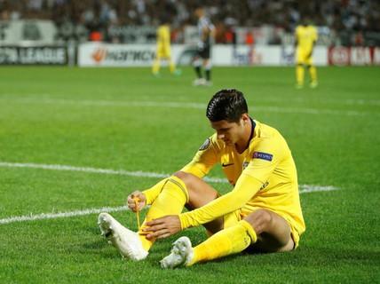 """CĐV Chelsea đòi đuổi """"chân gỗ"""" Morata """"ngay lập tức"""""""