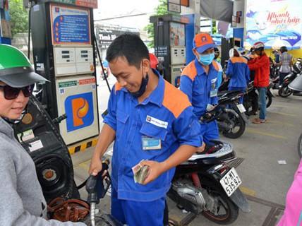 """""""Thả nổi"""" giá xăng dầu: Nên hay chưa?"""