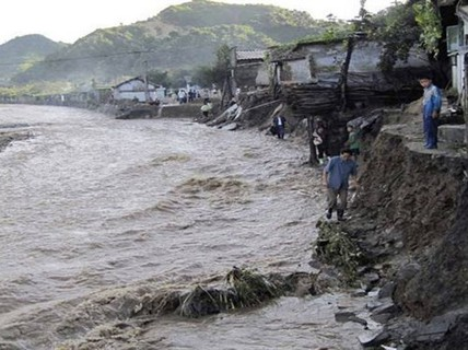 Triều Tiên: Lũ lụt xô đổ hơn 800 toà nhà, 76 người thiệt mạng