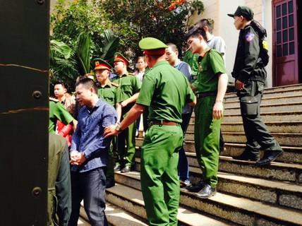 """""""Bị cáo sống ở nước ngoài lâu năm nên không hiểu pháp luật Việt Nam"""""""