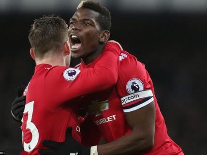 """Man United trở lại ngôi nhì, Mourinho """"đá xoáy"""" Scholes"""