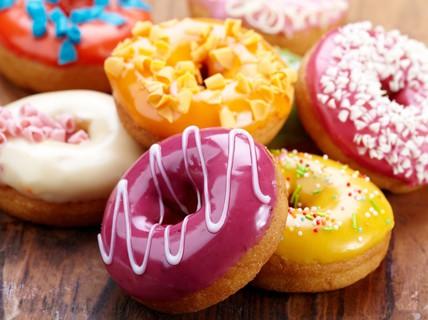 Uống thuốc cường dương, nhìn đâu cũng thấy... bánh doughnut