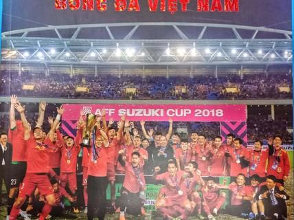 Nguyễn Á viết sử cho bóng đá Việt bằng sách ảnh