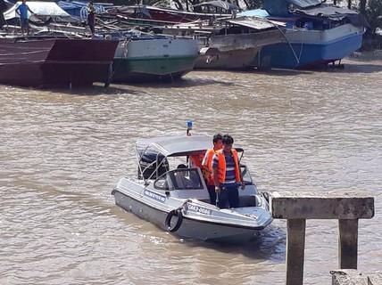 Sự cố nghiêm trọng trên sông Tiền, hiện 3 người đang mất tích