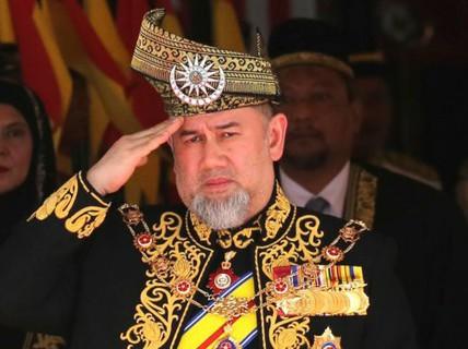 Cuộc thoái vị không êm ả ở Malaysia