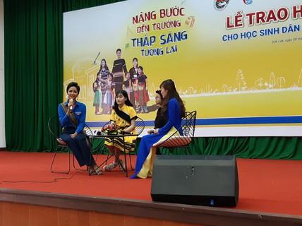 Hoa hậu H'Hen Niê: Đừng nhìn lại đằng sau hay cúi xuống