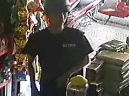 Truy tìm đối tượng giả vờ hỏi mua card điện thoại rồi trộm tài sản