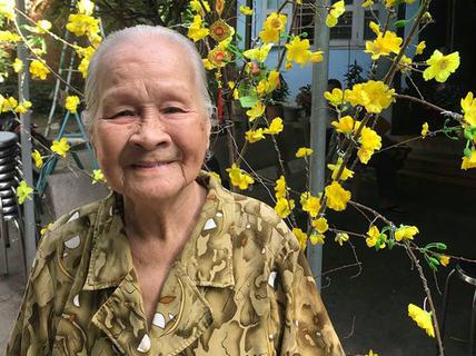 """Thăm """"nàng Juliet"""" 92 tuổi ở Khu dưỡng lão nghệ sĩ TP HCM"""