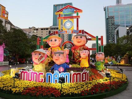 Đường hoa Nguyễn Huệ thu hút hơn 1 triệu khách tham quan