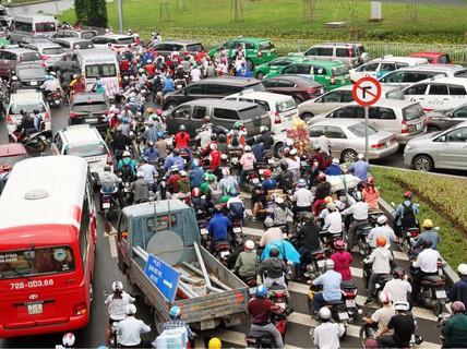 Giao thông khu vực Tân Sơn Nhất ngày càng nóng
