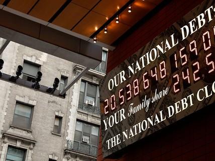 """Nợ công nhảy qua mốc 22.000 tỉ USD, Mỹ sắp """"cạn tiền mặt""""?"""