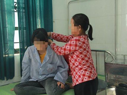 """Vụ nữ sinh lớp 9 bị đánh, lột đồ: Giáo viên chủ nhiệm nói đã """"thực hiện đúng trách nhiệm"""""""